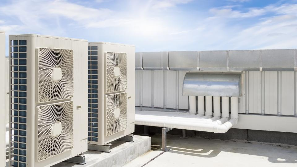 Two or Four Pipe Fan Coil HVAC Systems